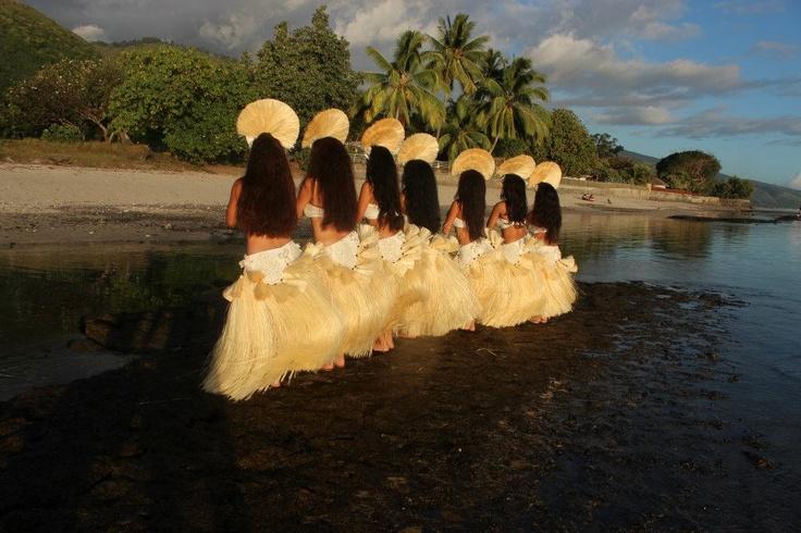 No Te Here O Te Hiroa Dancers in Beautiful Tahiti: Beauty Tahiti, Polynesian Dance, Tahitian Dance, Islands Girls, Dance Dance, Tahitian Dancing Mi, Dancing Mi Life, Hiroa Dancers, Tahitian Polinesian Bellyd