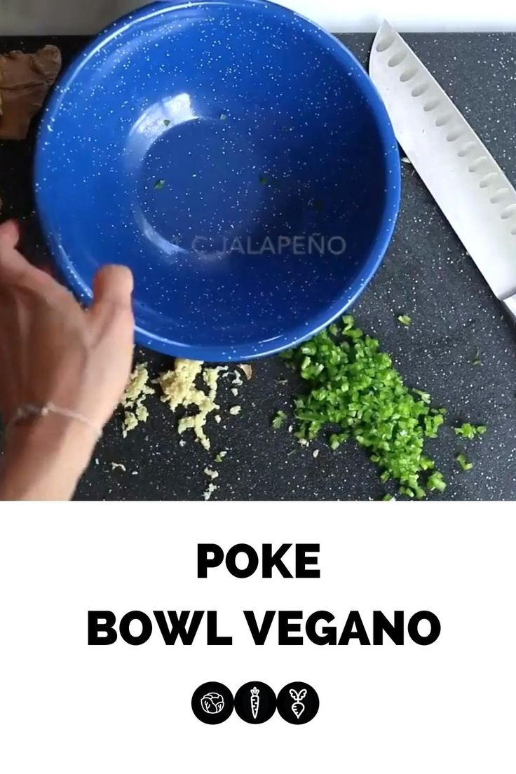 Receta del tradicional poke bowl hawaiano pero en version vegana. Bowls, Poke Bowl, Veganism, Vegan Gluten Free, Vegan Recipes, Videos, Kitchen, Food, Vegetarian