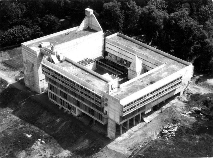Комплекс монастыря Ля Туретт   1857-1860г.  Ле Корбюзье