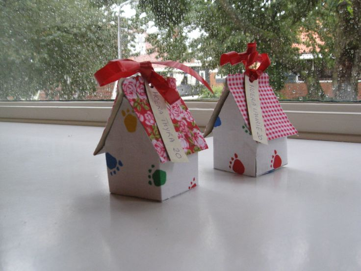 papieren huisjes als geld cadeau verpakking