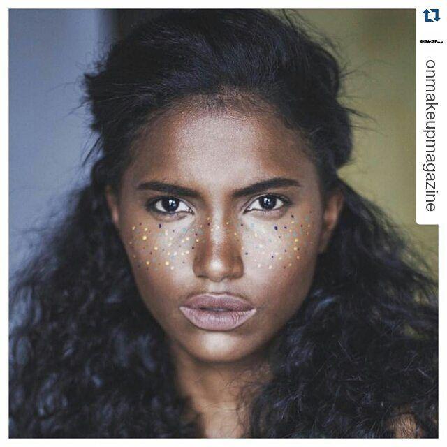 Wczoraj tęczowe włosy, dziś... wielokolorowe piegi! #trend2016 Make-up by @eliotte_mua #makeupartist #repost #onmakeupmagazine #coloredfreckles #kolorowo #piegi #sephoraaddict