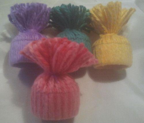 Idag blev det 4 uppsättningar av småluvor i påskfärger, alla 4-packen har olika färgkombinationer. Dessa går nu att köpa i butiken för 50;-/4-pack exkl. frakt Ska ut och hämta björkris vid något ti...