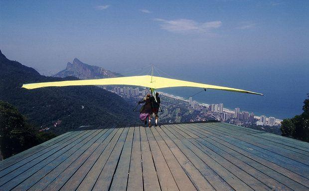Voo de asa delta na Pedra Bonita, Rio de Janeiro, Brasil