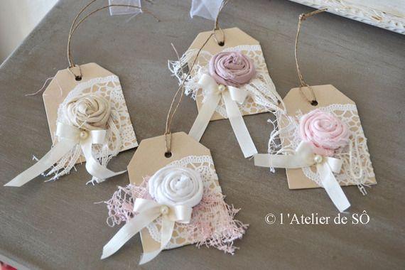 Etiquette romantique en kraft et fleur en tissu