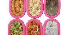 Distributor Kue Kering Lebaran Terlengkap Dan Termurah menyediakan kue kering, paket kue kering baik kue kering coklat, kue kering kacang-kacangan maupun kue kering dengan rasa keju. Kami jual kue kering lebaran tersebut dalam berbagai pilihan rasa yang tentunya telah halal memiliki rasa yang enak, lezat dan tentunya bergizi