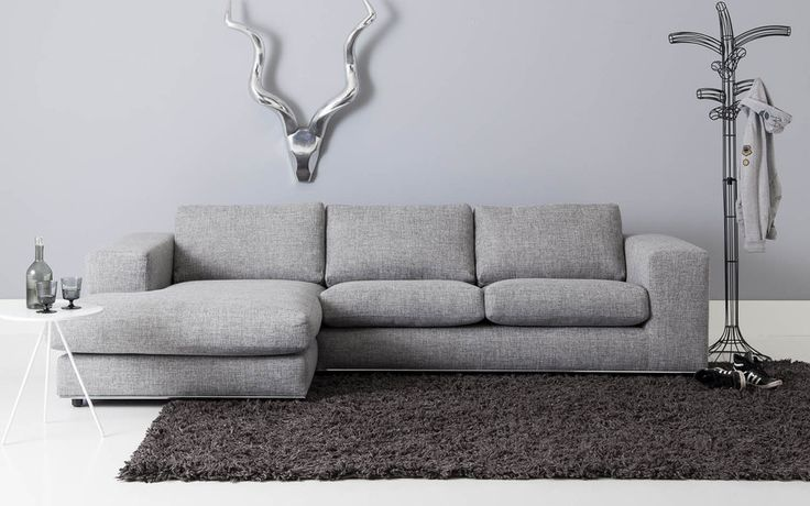 Ruime loungebank in strak design met hoogwaardige chromen for Chaise longue bank