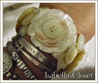 ❥ Vintage Mother of Pearl Button Bracelet