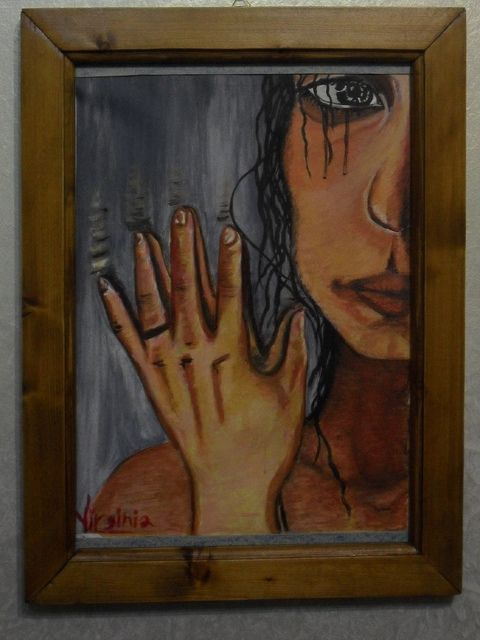 """Dall'altra parte- con cornice in legno   """"Lo specchio vede un viso noto, ma hai sempre quella solita paura che un giorno ti rifletta il vuoto oppure che svanisca la figura.E ancora non sai se vero tu sei o immagine da specchi raddoppiata;nei giorni che avrai però cercherai l'immagine dai sogni seminata."""" Guccini"""