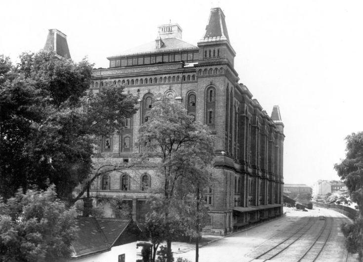 Közraktár utca, Elevátor-ház.