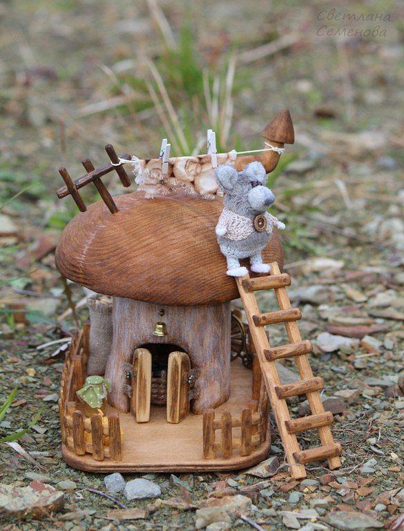 Interior arrangement 'Mouse's Mushroom House' | Интерьерная композиция «Домик-гриб с мышонком»