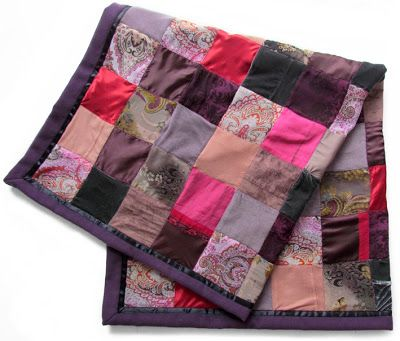 Recycling clothes of a deceased person into a MEMORY BLANKET. By Handwerkjuffie.