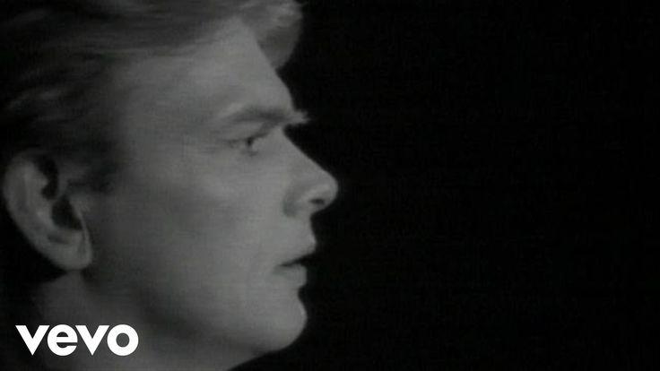 John Farnahm's official music video for 'You're The Voice'. Click to listen to John Farnham on Spotify: http://smarturl.it/JFarnhamSpotify?IQid=FarnhamYTV As...