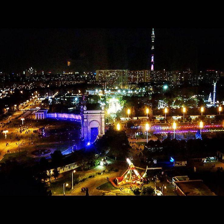 #видсверху #колесообозрения #вднх #ночнаямосква #ночнойгород #красиво #topview #nightcity #moscow #огнимосквы #кругсвета