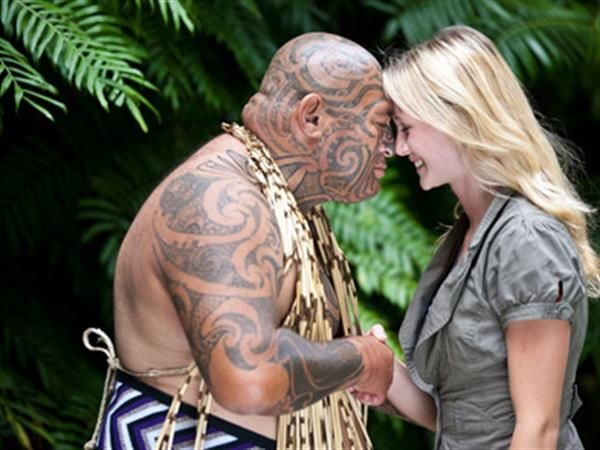 Visit Auckland's most important Maori landmarks and monuments, Auckland Guided Maori Culture Tour extra, includes the excellent Maori Cultural Performance at Auckland Museum. TIME Unlimited Tours.