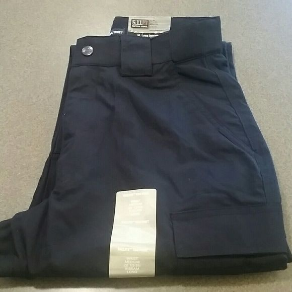Brand New * 2 pair 511 Tactical Series TDU pants!! Brand new, both pair are Navy Blue, still in original plastic bag with tags. These are unisex Taclite TDU pants. Waist medium 31.5 - 35 & inseam 34 long. 511 Tactical Series  Pants