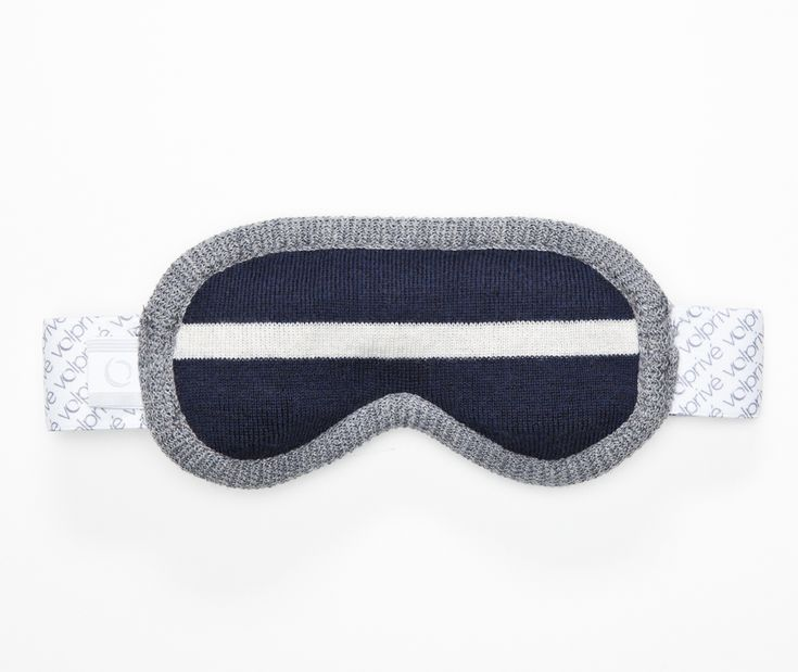 Volprivé MÉDITATION eye mask from the London collection.  Comes with a removable beads filled pad and its adjustable strap for a perfect comfort and light blocking effect.