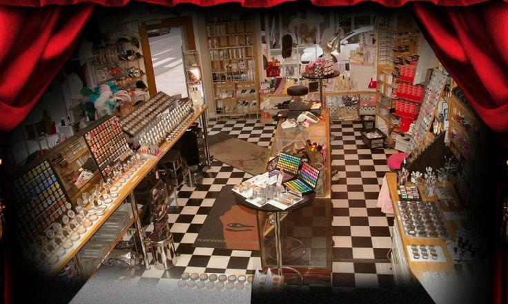 Butiken | Smink & Perukmakar'n