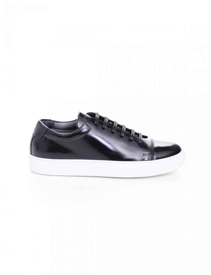 SNEAKER DONNA - Caneppele #Caneppele #trento #sneakers #blacksneakers #ss2016 #nationalstandard #italy