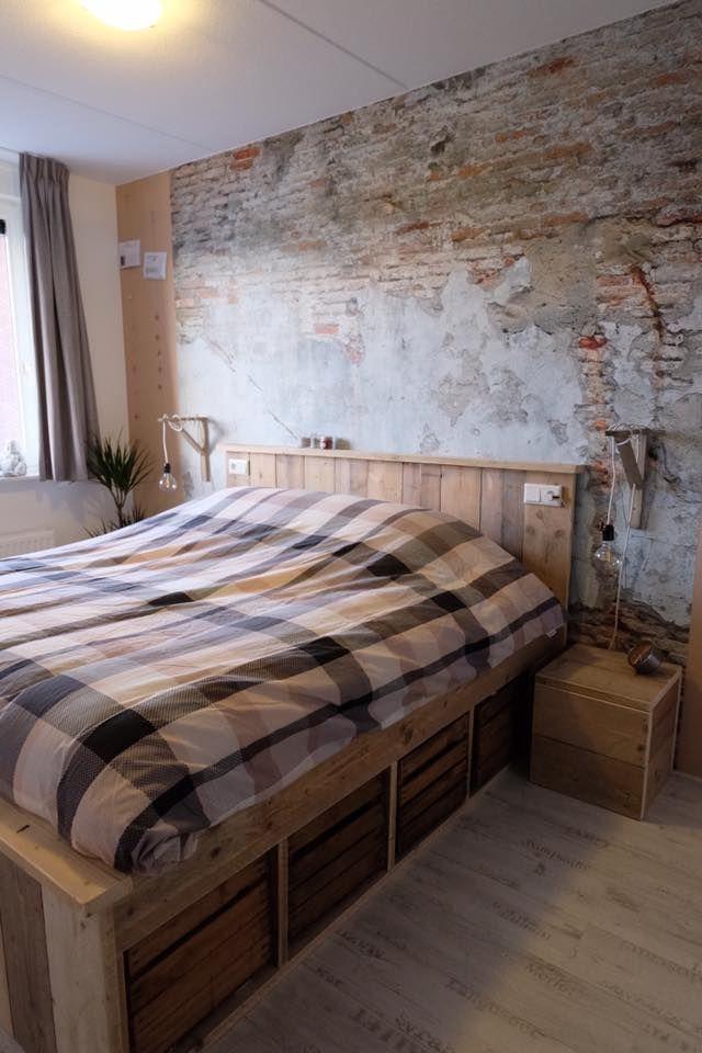 Zeer blij met ons bed van livengo, nu de kuby's ook binnen zijn, eindelijk compleet.