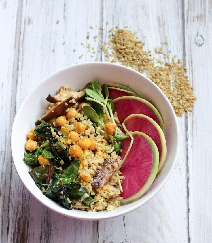Vegan Freekeh & Turmeric Chickpea Salad // apolloandluna.com. Made Just Right. Plant Based. Earth Balance.
