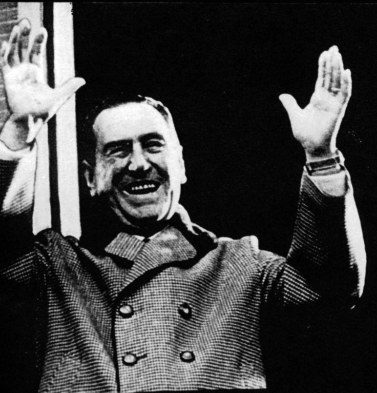 1955 - Juan Domingo Perón derrocado de la presidencia de la Argentina.