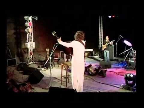 Uploaded on Nov 19, 2011 Κρητικό Παραδοσιακό Ζωντανή ηχογράφηση από την συναυλία στο θέατρο Βράχων Μελίνα Μερκούρη το 2005.