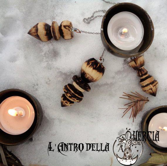 PENDOLINI LEGNO  wicca magia rune amuleti di AntroDellaQuercia