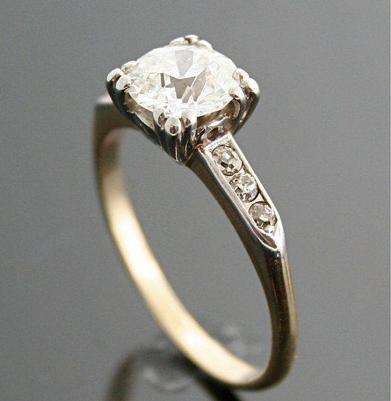 1940s Ring - Vintage Gold and Diamond Ring fashion jewelry accessories rings