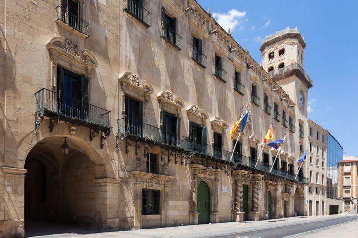 Ayuntamiento, palazzo municipale di #Alicante #Spagna