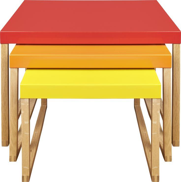 Kilo settebord rødt, oransje og gult. Fåes i flere farger. Dimensjoner: Small: W34 x H30 x L42cm. Medium: W42 x H35 x L42cm. Large: W50 x H40 x L42cm. Kr. 1020,-