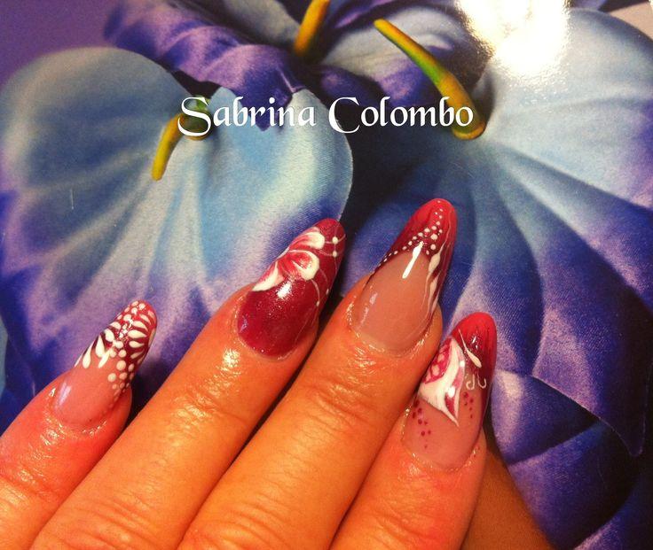 Ricostruzione unghie in gel forma mandorla almond nail decorazione floreale