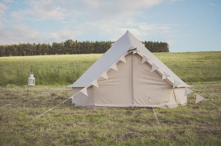 Hello Monday! To cheer up any Monday blues we're offering 20% off tent hire for weddings before 21st May this year  - drop us an email to see if we have availability for your date.