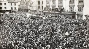 The day Bishop Auckland FC arrived home from winning the cup. Bishop Auckland Market place