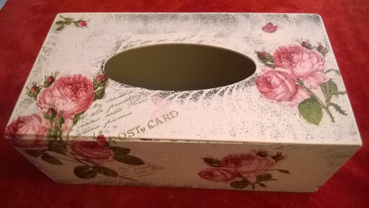 Napkins box with roses