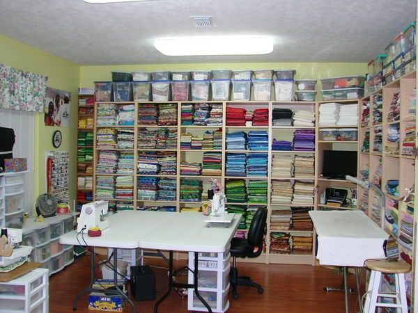 46 best images about quilt room design on pinterest Sewing room designs