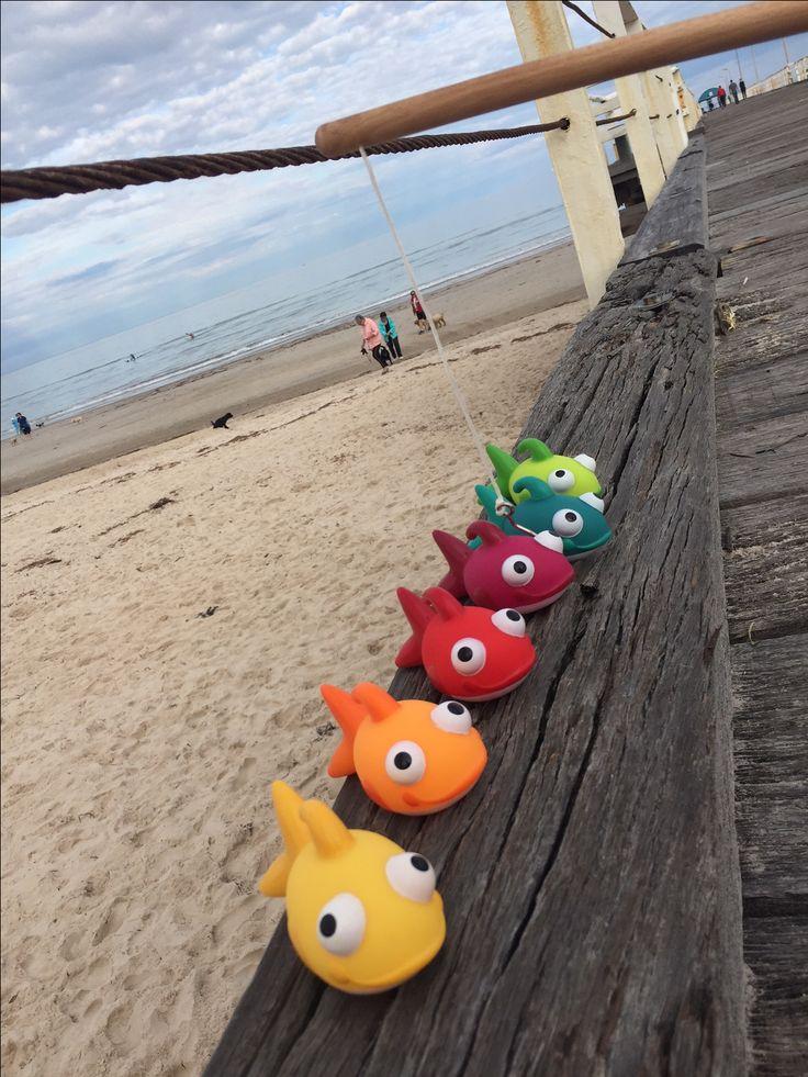 Fishy - pêche à la ligne.  6 poissons + 2 cannes à pêche.