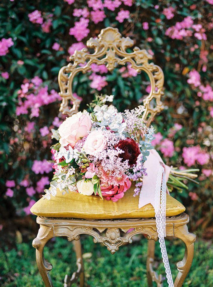 Romantic-Gold-&-Pink-Vintage-Wedding-Bouquet