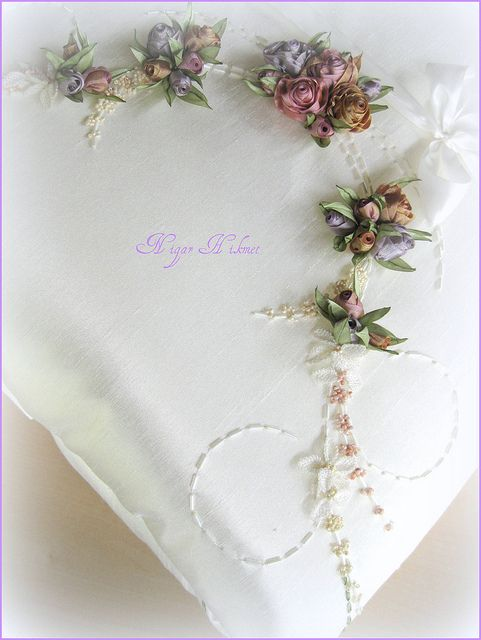 seccade   Flickr - Photo Sharing! Amazing site for ribbon work, beads and embroidery! Nigar Hikmet