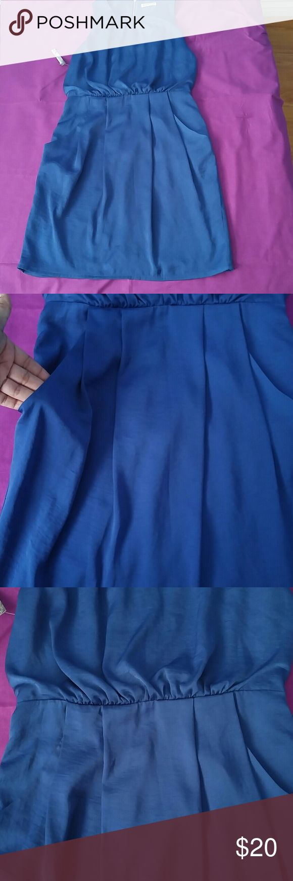 Whistles dress This gorgeous navy blue dress is simply beautiful and a great dress for any event. It shows off your assets while keeping it classy. 100% polyester side pockets and above the knee length. Whistles Dresses Strapless