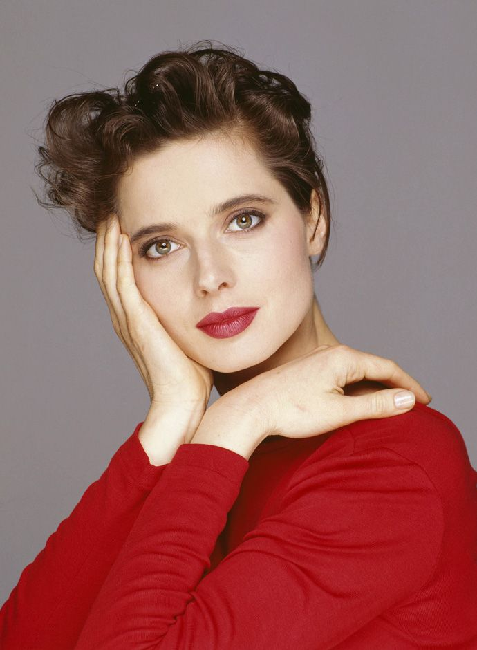 20 Best Italian Actresses: Isabella Rossellini (1952) - Isabella Fiorella Elettra Giovanna Rossellini is an Italian actress, filmmaker, author, philanthropist, and model. The daughter of Swedish actress Ingrid Bergman and Italian director Roberto Rossellini, she has a twin sister Isotta Ingrid Rossellini, who is an adjunct professor of Italian literature.  Rossellini is noted for her modelling, and for her roles in films such as Blue Velvet and Death Becomes Her. Her modelling career began…
