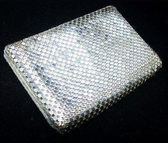"""❘❘❙❙❚❚ ON SALE ❚❚❙❙❘❘  Silver Wallet Card Case Metallic Mesh 2 Lined Leather Inserts LADIES Accessory 4"""" #Vintage offered by brightgems treasures.  Trendy Silver Metallic Me... #jewelry #vintage #sterling #artdeco #victorian #etsy ➡️ http://jto.li/7k4Dw"""
