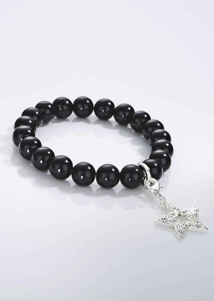 #Armband aus schwarzen Glasperlen mit Stern-Anhänger aus funkeldnen Swarovski Kristallen ©Atelier Goldner Schnitt | www.ateliergs.at