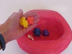 Activités quotidiennes mathématiques en maternelle Le jeu du chapeau pour travailler l'addition