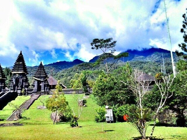 Pura Parahyangan, Salak Mounth West Java Indonesia