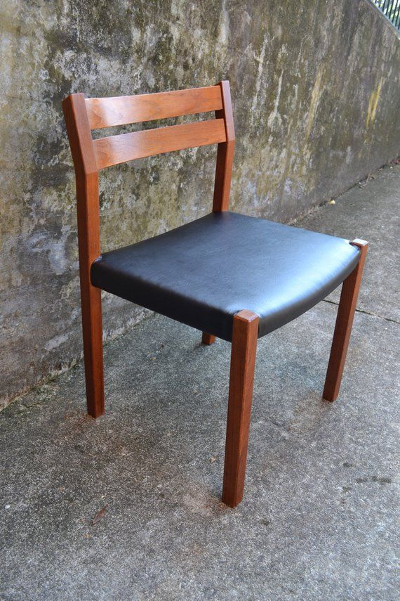 J L Moller Model 401 Danish Mid Century Teak Side Chair Teak Chairs Chair Furnishings