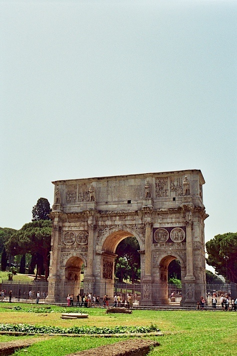 Arch of Constantine - Rome After years of civil war, the victory of Constantine's army over the numerically superior army of Maxentius at the Battle of Milvian Bridge in 312 AD brought some peace to the Roman Empire. To commemorate this victory, the Senate of Rome awarded Arch of Constantine a triumphal arch. It was dedicated just a few years later, in 315 AD.