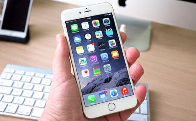 W czerwcu 2017 roku Unia Europejska zniesie opłaty roamingowe na swoim terenie. Do tego będziemy ponosić dodatkowe koszty za prowadzenie rozmów zagranicznych i transmisję danych, ale od 30 kwietnia 2016 roku będą to o wiele mniejsze opłaty. Od 30 kwietnia br. za roaming na terenie Unii Europejskiej zapłacimy mniej. Nowa maksymalna stawka w roamingu wyniesie: