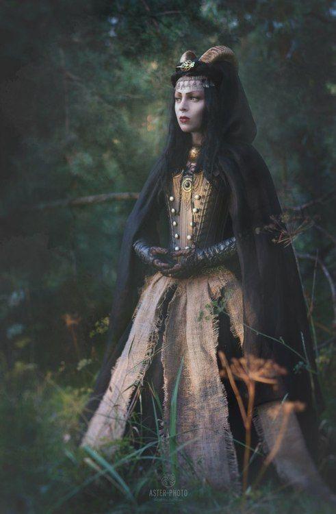 Renaissance / Elizabethan Goth by Twiddy von Schadenfreude~
