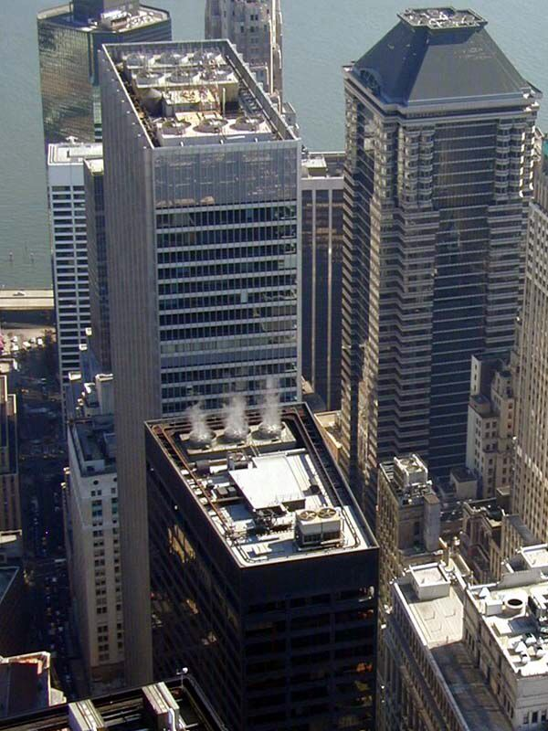 Image issue du site Web http://wirednewyork.com/images/skyscrapers/one-chase-manhattan-plaza/onechase.jpg