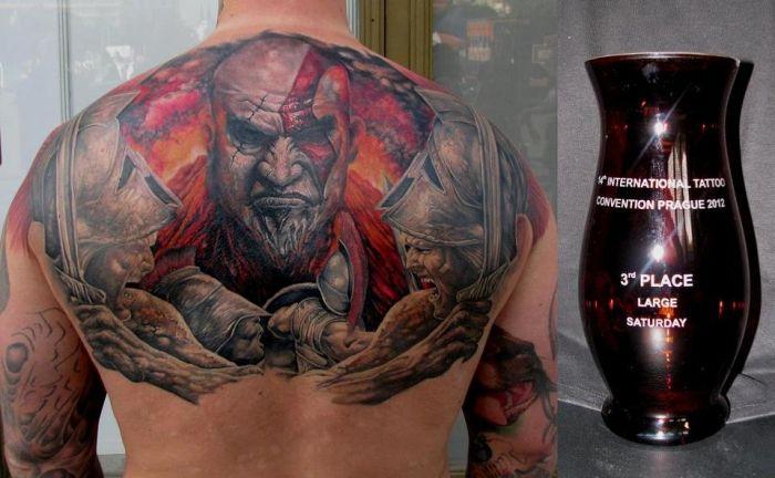 amazing god of war kratos tattoo by miro pridal tattoos pinterest tattoo. Black Bedroom Furniture Sets. Home Design Ideas